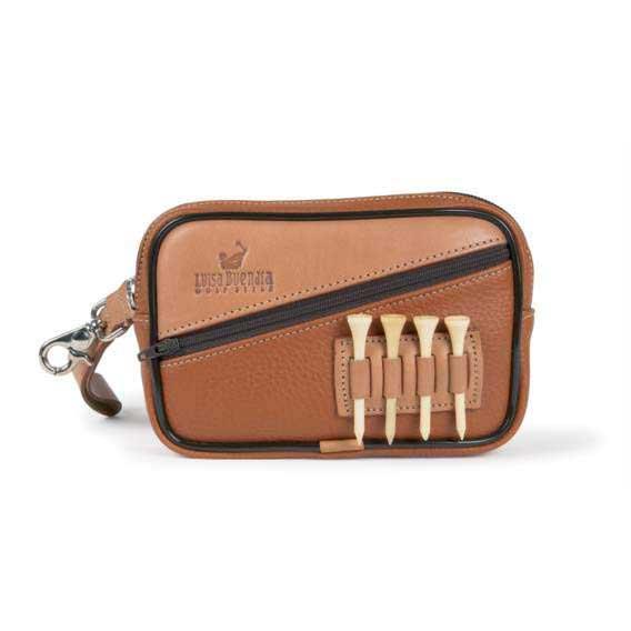 Neben den populären Golf,Gürteln kommen aus der nordspanischen Manufaktur  auch praktische und schöne Accessoire,Taschen und Golf,Reisetaschen,